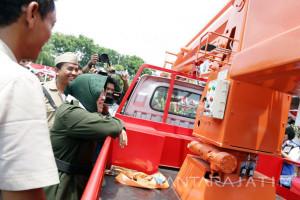 Telkom Hibahkan Pusat Intermet Cepat di Surabaya