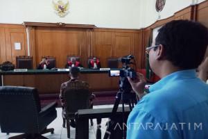 Petugas KY Pantau Persidangan Kasus Henry Gunawan