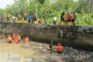 BPBD Kota Madiun Bersihkan Saluran Air Antisipasi Banjir