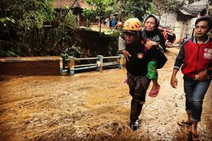 BPBD Jatim Siapkan Seribu Relawan Bersih Sungai Antisipasi Musim Hujan