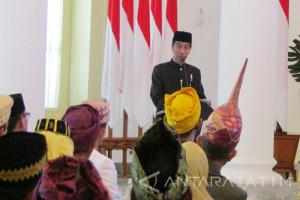 Di Istana Bogor Presiden Kumpulkan Kepala Suku (Video)