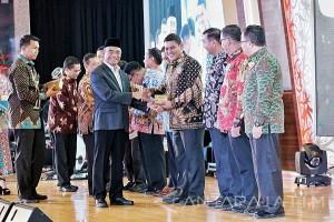 Kota Kediri Raih Penghargaan Kihajar Award 2017
