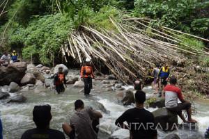 Pencarian Korban Banjir Magetan Terkendala Cuaca