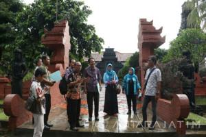 Mengenal Wisata Jatim di Anjungan Taman Mini