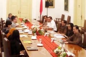 Di Istana Bogor Presiden Jokowi Temui Perwakilan Bank Dunia