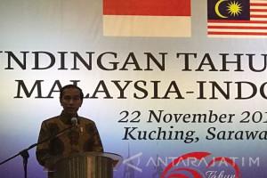 Pakai Batik, Jokowi Ingin Tunjukkan Budaya Indonesia ke Malaysia