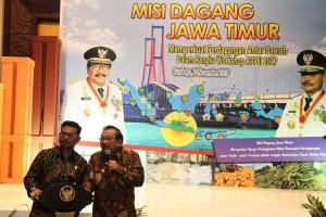 Pakde Karwo Ingatkan Pentingnya Industri dan Pembiayaan untuk Kesejahteraan