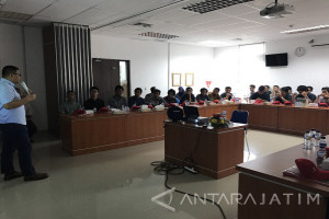 Puluhan Mahasiswa ITS Kunjungi Lapangan Banyuurip