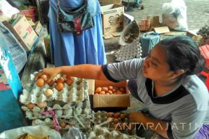 Harga Kebutuhan Pokok Jelang Natal di Madiun Naik