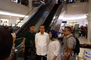 Presiden Jalan-Jalan di Sun Plaza Medan