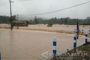 Gus Ipul : PLN Perbaiki Saluran Terputus akibat Bencana di Pacitan