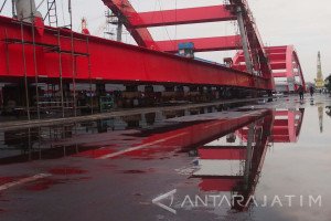 PT PAL Rampungkan Bentang Tengah Jembatan Holtekamp