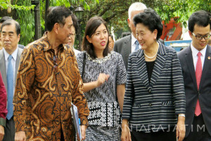 Wakil PM China Temui Presiden Jokowi Laporkan Kesepakatan Solo (Video)