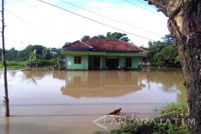 Hujan Dua Hari, Belasan Rumah di Sampang Tergenang Banjir