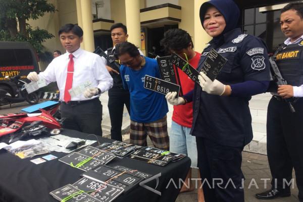 Polisi Ungkap Penyedia STNK dan Pelat Nopol Curian