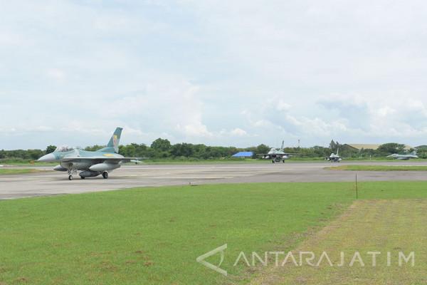 Kedatangan Pesawat F16 Dari Amerika