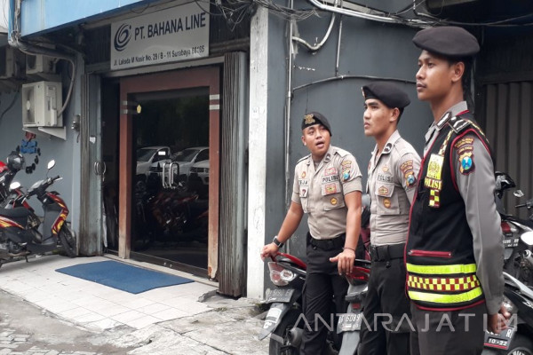 Polisi Selidiki Paket Bom Daya Ledak Rendah