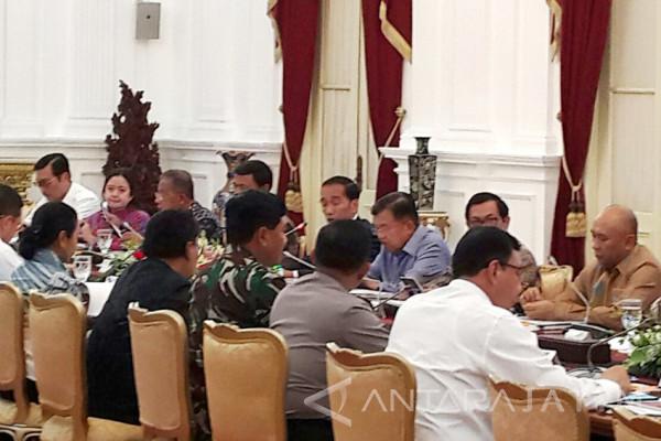 Jokowi Minta Pelayanan Transportasi Libur Akhir Tahun Diperhatikan (Video)