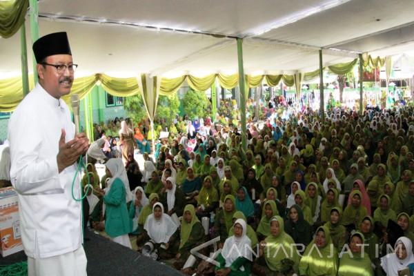 Gus Ipul Komitmen Berdayakan Perekonomian Perempuan Jatim