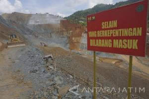 Dampak Banjir-Longsor, Proyek Waduk Tukul Rusak Berat