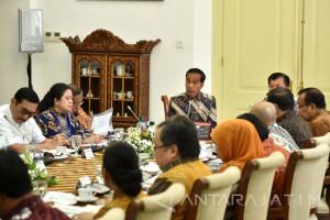 Jokowi Pastikan Penyaluran Rastra tidak Terlambat (Video)