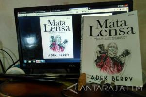 Resensi Buku - Ketika Jurnalis Foto Adek Berry Menulis Buku