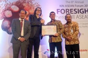 Wali Kota Malang Raih Entrepreneur Award Bidang Kemiskinan dan Pariwisata
