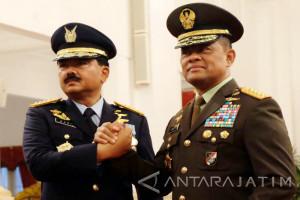 Presiden Joko Widodo Lantik Hadi Tjahjanto sebagai Panglima TNI (Video)