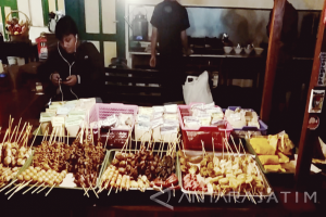 KAI Hadirkan Makanan Angkringan di Stasiun Madiun