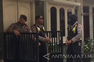 Terduga Teroris di Surabaya Terkait Gerakan ISIS (Video)