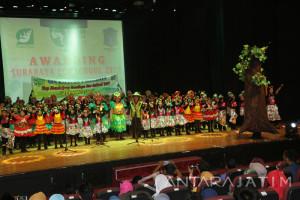 Pemkot Surabaya Beri Penghargaan Sekolah Penyelamat Lingkungan