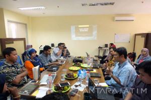 """Peringati Hari HAM, Buku """"HAM:Dialektika Universalisme vs Relativisme di Indonesia"""" Diluncurkan (Video)"""