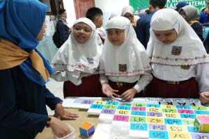 UM Surabaya Ajarkan Matematika Lewat Permaian