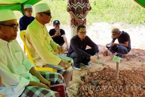 Dimakamkan di Kedah TKI Bangkalan Korban Kebakaran (Video)
