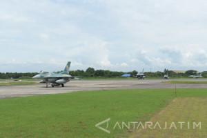 Empat Pesawat F-16 Hibah Amerika Serikat Mendarat di Iswahjudi