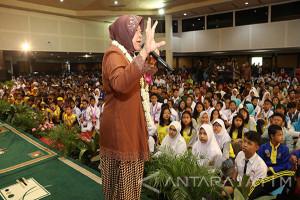 Disdik : Siswa Berprestasi di Surabaya 2017 Meningkat