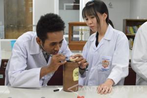 Mahasiswa UKWMS Temukan Solusi Antikanker dari Jintan Hitam