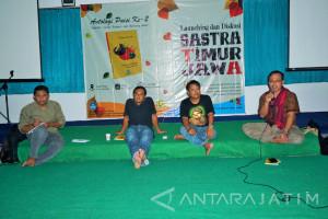 Peluncuran Antologi Puisi Sastra Timur Jawa di LP3M Unej