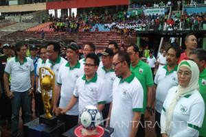 Menaker Buka Liga Pekerja Indonesia di Sidoarjo