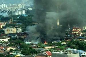 Terbakar Rumah Sewa TKI di Jiran (Video)