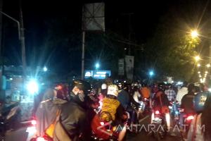 Konvoi Tahun Baru Dibubarkan Polisi