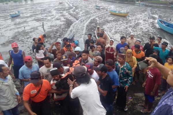 Nelayan Probolinggo Tewas Setelah Perahu Diterjang Ombak