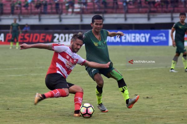 Madura United FC Menang