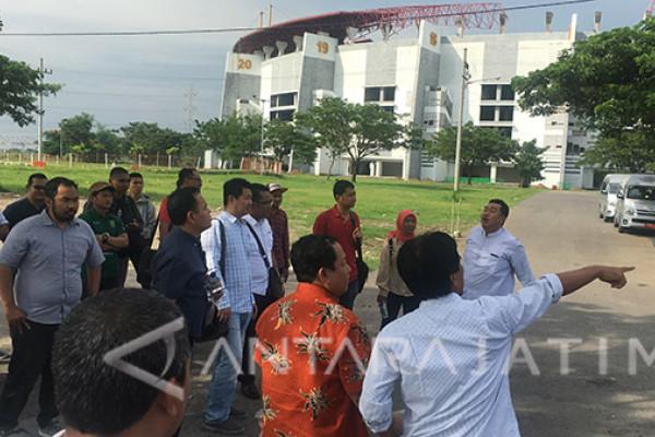 DPRD Surabaya Temukan Tiga Lokasi Parkir Stadion GBT (Video)