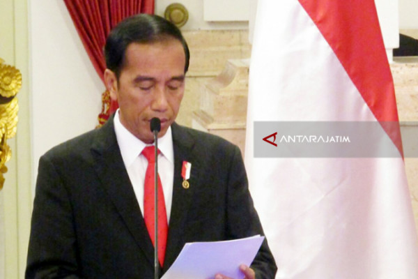 Joko Widodo Encourges Security Officers to Prevent Land Fire