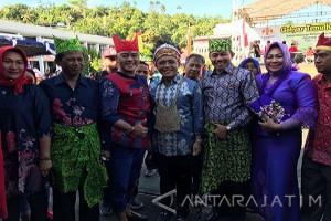 Anas Minta Warga Banyuwangi Dukung Pembangunan Papua