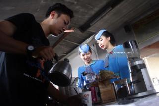 Daop Surabaya Siapkan 50.000 Cup Kopi Gratis