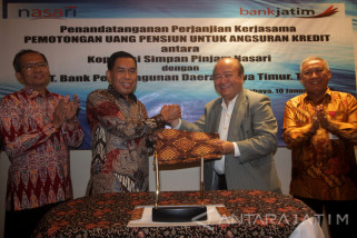 Bidik Potensi Pensiunan, Bank Jatim Gandeng KSP Nasari (Video)
