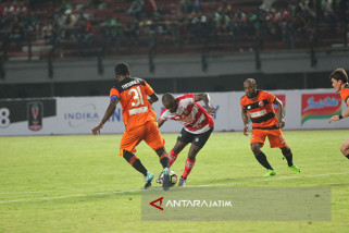 Laga Perdana Piala Presiden, Madura Pesta Gol