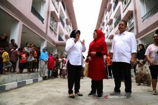 Risma Ajak Puti Soekarno Lihat Rusun dan Taman Surabaya